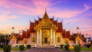 Holiday in Wat Benchamabophit poi in Thailand