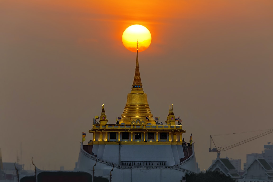 Wat Saket in Bangkok - Temple of the Golden Mount poi Thailand Holiday