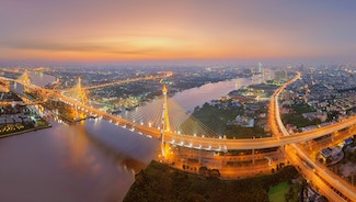 Holiday in Bhumibol Bridge poi in Thailand