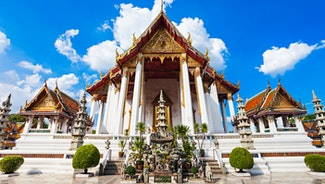 Holiday in Wat Suthat Temple poi in Thailand