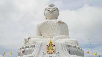 Holiday in Big Buddha Phuket poi in Thailand