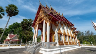 Holiday in Wat Nai Harn Temple poi in Thailand