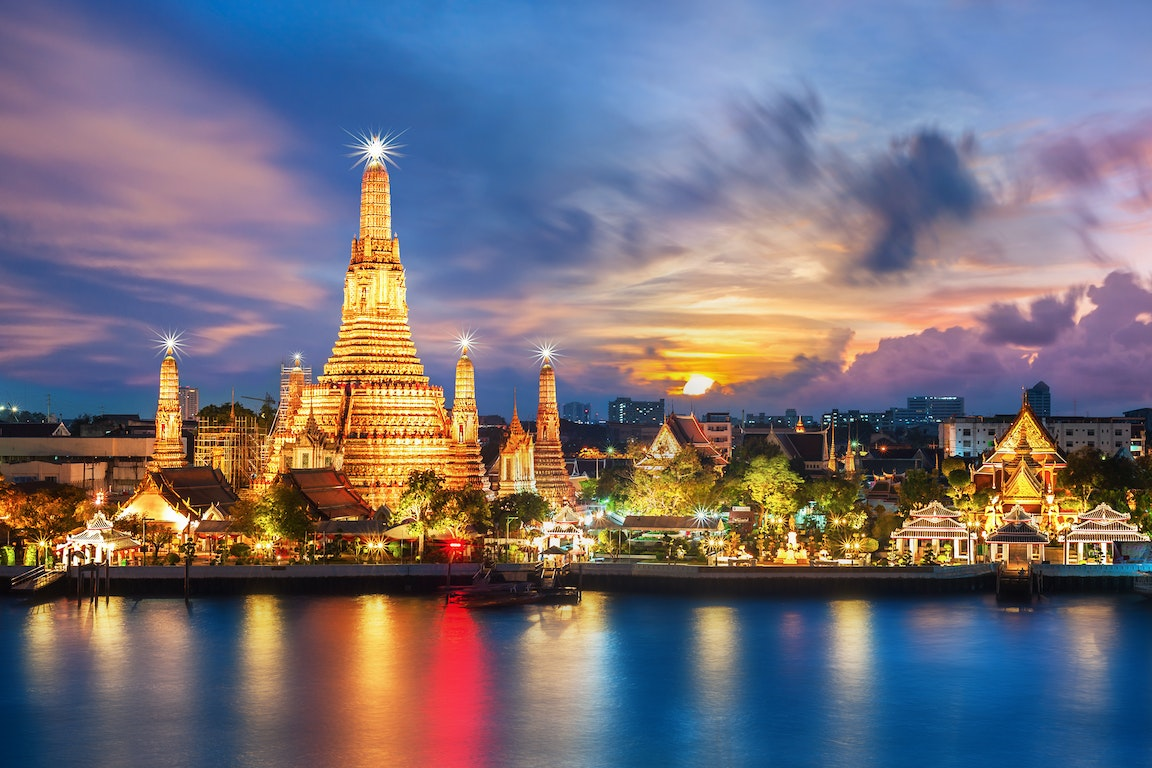 Wat Arun in Bangkok - Temple of Dawn poi Thailand Holiday