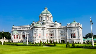 Holiday in Ananta Samakhom Palace poi in Thailand